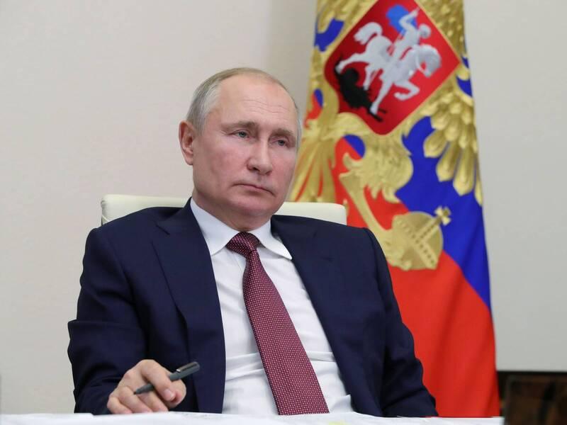 普廷(見圖)13日責成官員從下週開始進行大規模的武漢肺炎疫苗接種,他並誇稱俄國自製的疫苗是世界上最好。(路透)