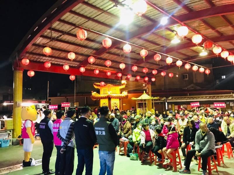 竹市水源里長補選,民進黨傾全力助陣25歲新人曾翰揚。(記者蔡彰盛翻攝)