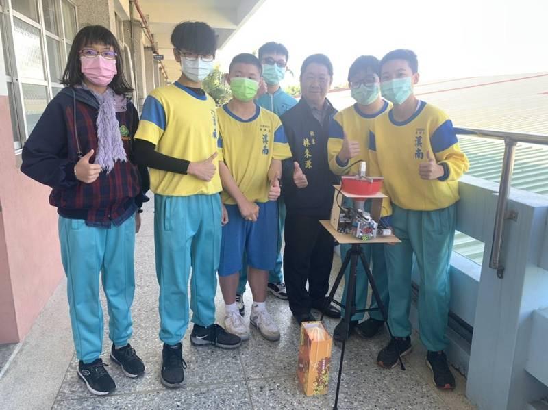 烏日溪南國中發展機器人創意科學課程多年。(圖由議員吳瓊華提供)