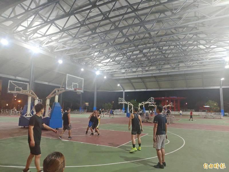 員林市目前已有8處市屬籃、網球運動場,未來還有47座公園綠地待規劃相關場所,運動場地多元。(記者陳冠備攝)