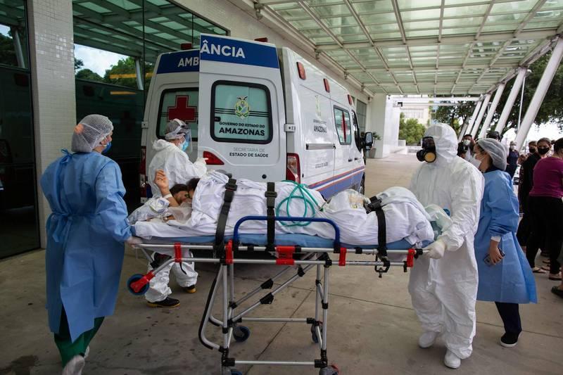 巴西亞馬遜州疫情嚴峻,首府馬瑙斯面臨醫療體系崩潰、氧氣瓶短缺。(法新社)