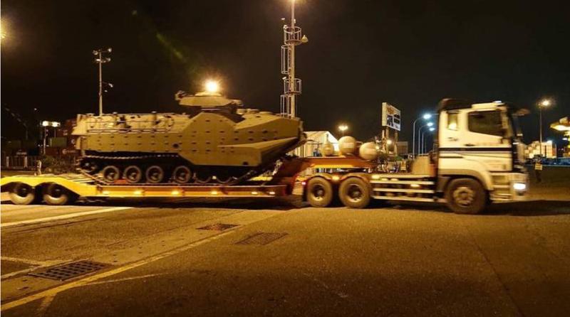 台灣向美增購AAV7棲突擊車,首批已在2020年7月運抵台灣。(圖:擷取自美國在台協會AIT臉書專頁)