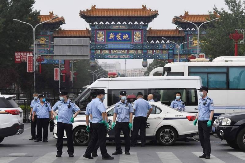 武漢肺炎(新型冠狀病毒病,COVID-19)疫情在中國加重。北京1月15日開會決定,以原先入境進京人員實施的「14+7」健康管理措施為基礎,再將管理時間延長7天。(法新社)