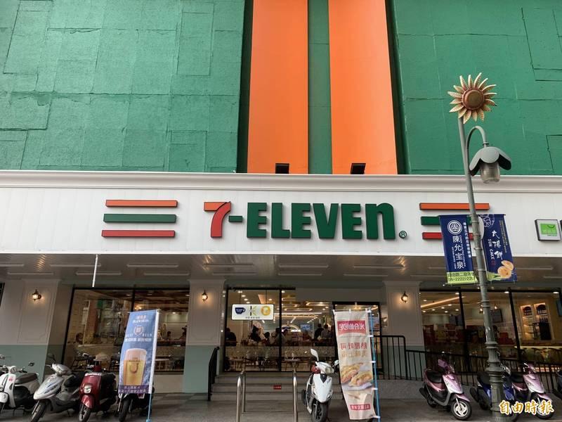 Big7位於中區舊城的竹舫百貨一樓。(記者蔡淑媛攝)