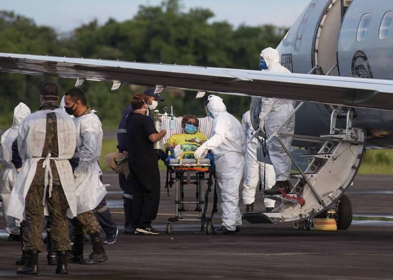 巴西亞馬遜州面臨醫療崩潰,空軍急運醫療物資並協助將病患轉移至其他州。(法新社)