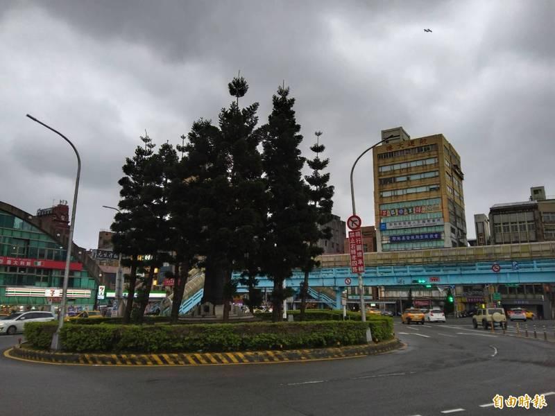 國門廣場工程春節後動工 基隆舊火車站前蔣介石銅像終於要搬家