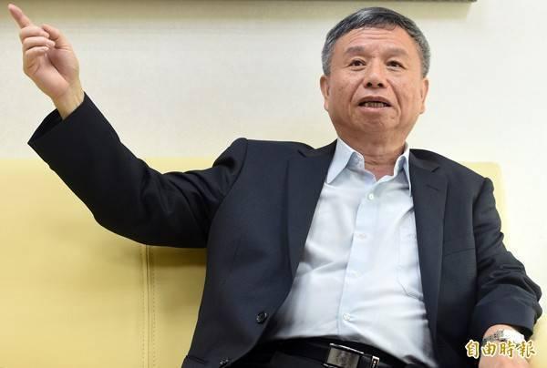 北部某醫院群聚感染,前衛生署長楊志良表示,顯然是系統性管理的問題,必須盡快解決,否則恐成防疫破口、釀社區感染。(資料照)