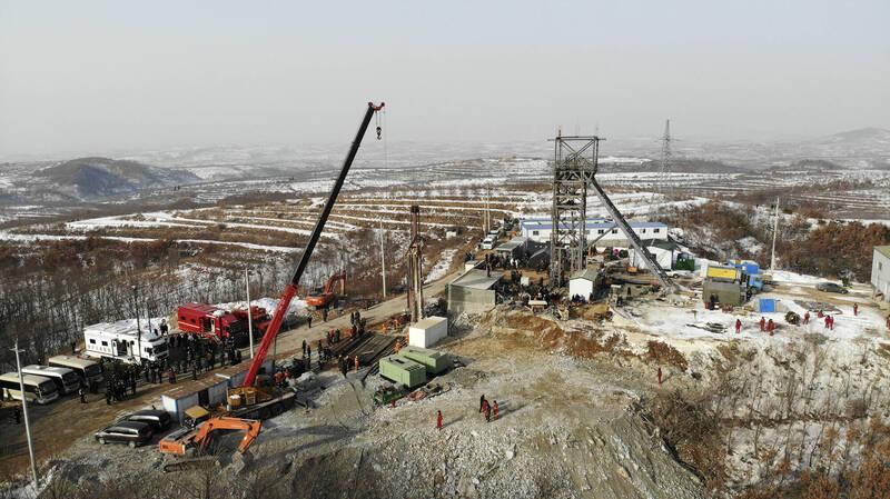 山東22礦工被困7日 傳出敲擊回應聲