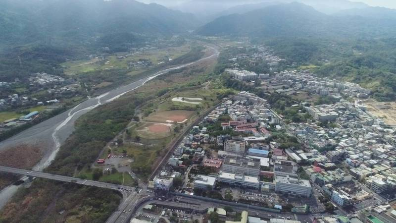 新竹縣政府提出的台68線接竹東東峰路新闢工程,預計從台68線快速公路的東向盡頭和台3線交會處,往南新