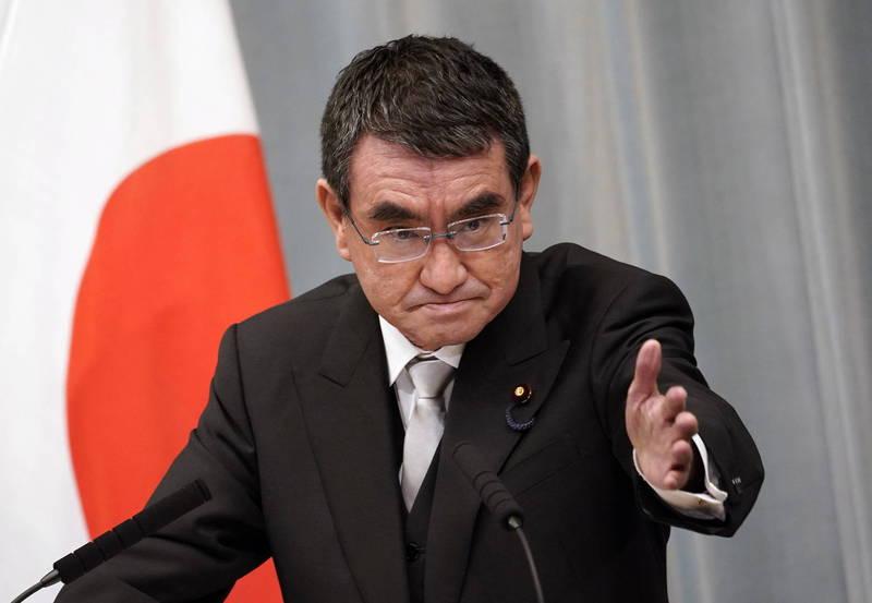 菅義偉今晚任命行政改革擔當相河野太郎(見圖)兼任疫苗擔當相。(歐新社檔案照)