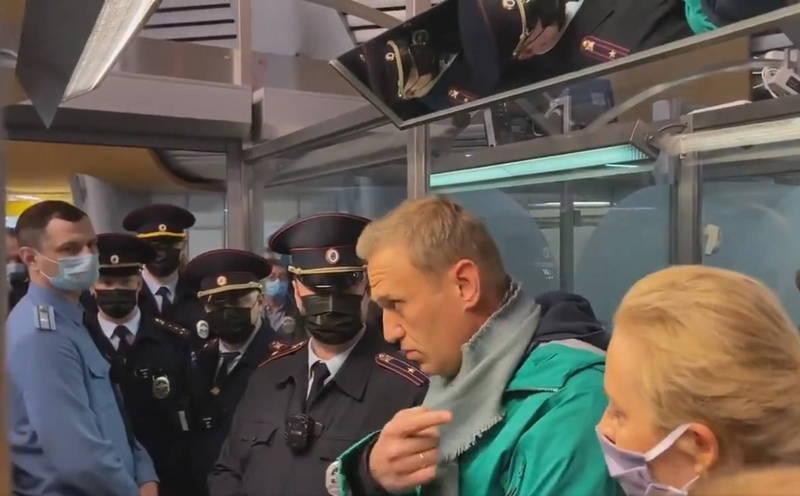 納瓦尼17日從德國飛回俄羅斯,且在下機不久後就遭警方拘捕,他的另外4位盟友也同樣被俄國警方拘捕。(歐新社)