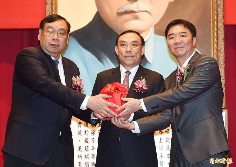 高檢署檢察官黃和村(左)。(資料照)