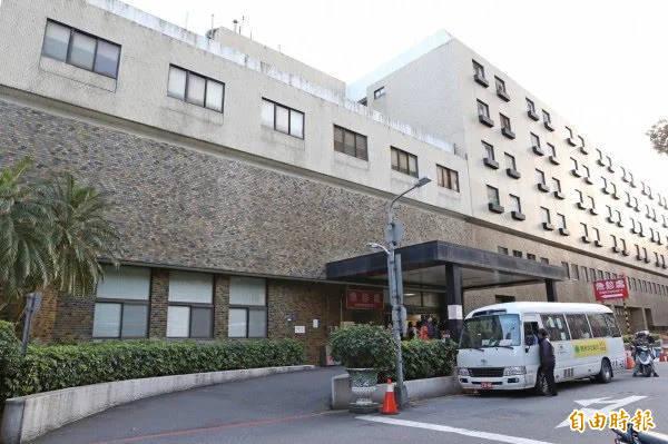 國泰綜合醫院宣布,自明日起調整探病時段,加強門禁管制。(資料照,記者陳逸寬攝)