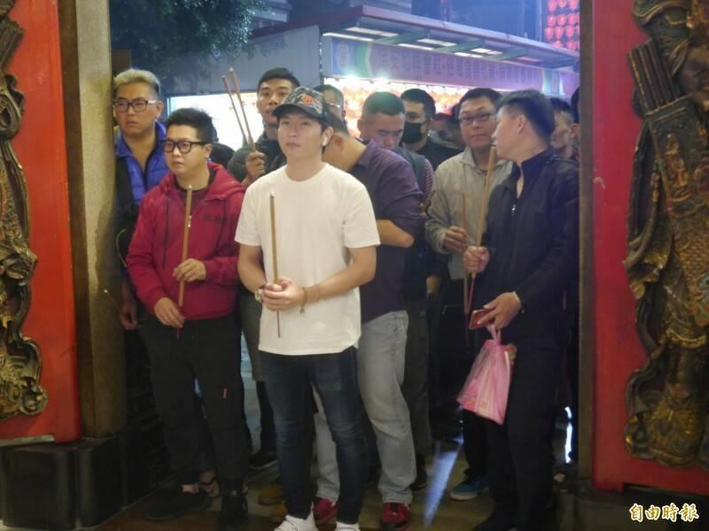 鎮瀾宮2020年搶頭香民眾擠在正門。(資料照)