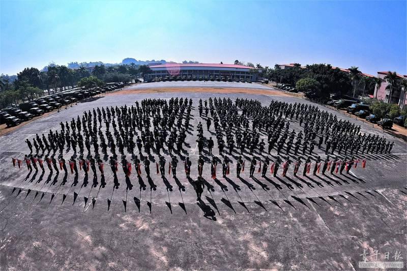 陸軍117旅編成軍容壯盛。(青年日報提供)