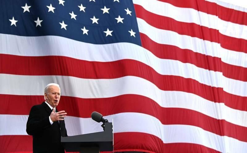 美國總統拜登(見圖)今天將在美國國會西草坪宣誓就職。圖為拜登19日從家鄉德拉瓦州出發前往華府時,發表演說。(資料照,法新社)