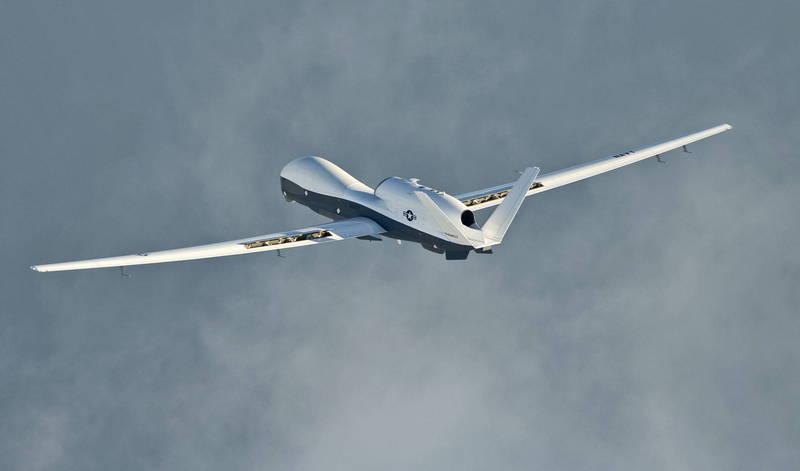 美軍一架MQ-4C無人機於今日稍早現身台海南部。(歐新社)