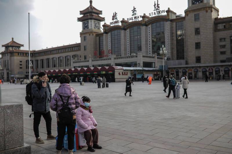 中國東北疫情嚴峻,鄰近的北京持續戒備,不敢大意,將全面加強對入京人士的防疫措施。(歐新社)