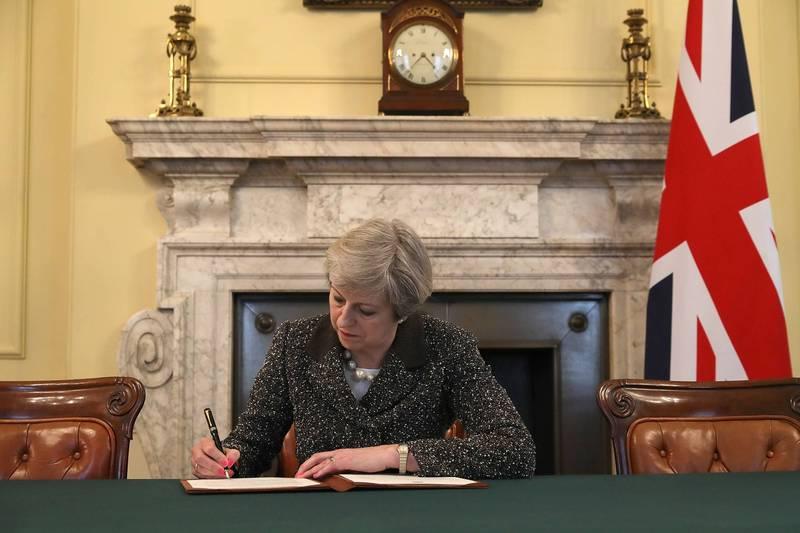 英國前首相梅伊投書英媒《每日郵報》表示,美國準總統拜登上任後將提供一個英美關係重建的「黃金機會」。(法新社)