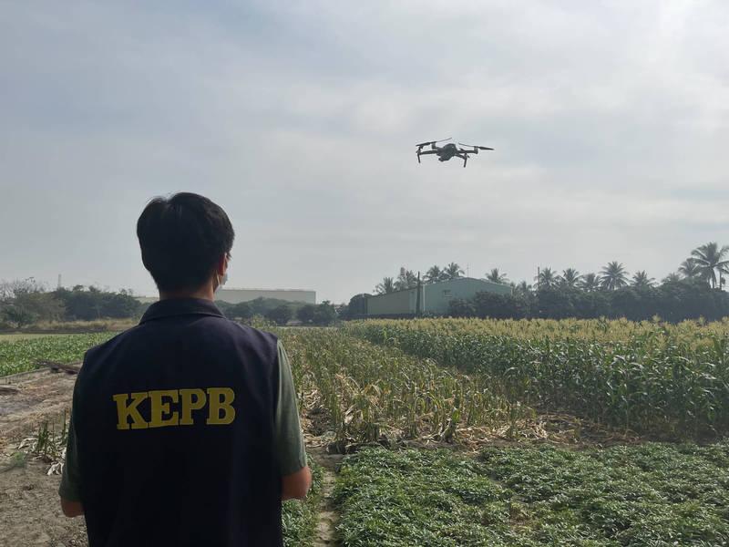 高雄市環保局執行飛鷹計畫UAV露燃巡查。(環保署提供)