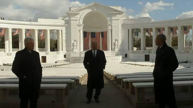 柯林頓(圖左)、小布希(圖中)及歐巴馬(圖右)3位前總統齊聚一堂,恭賀拜登就任第46屆美國總統,並呼籲美國團結一心,支持新政府成功。(圖擷自拜登就職委員會官方推特)