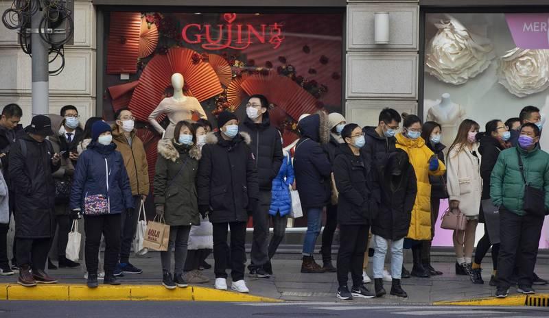 上海當局下午召開記者會,宣布出現3例本土確診,一區急升中風險地區,中風險地區人員原則上不准離滬。(歐新社)