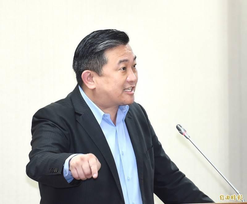 立委王定宇怒轟:「中國國民黨跟國軍有仇嗎?到底要低劣到什麼程度?」(資料照)