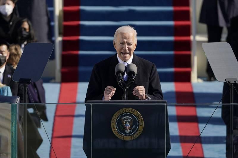 美國第46任總統拜登宣誓就職,在台灣時間21日凌晨近1點發表就職演說,他除了強調國家團結,也向世界各國表示,將會修復美國各項國際聯盟,再次領導世界。(美聯社)