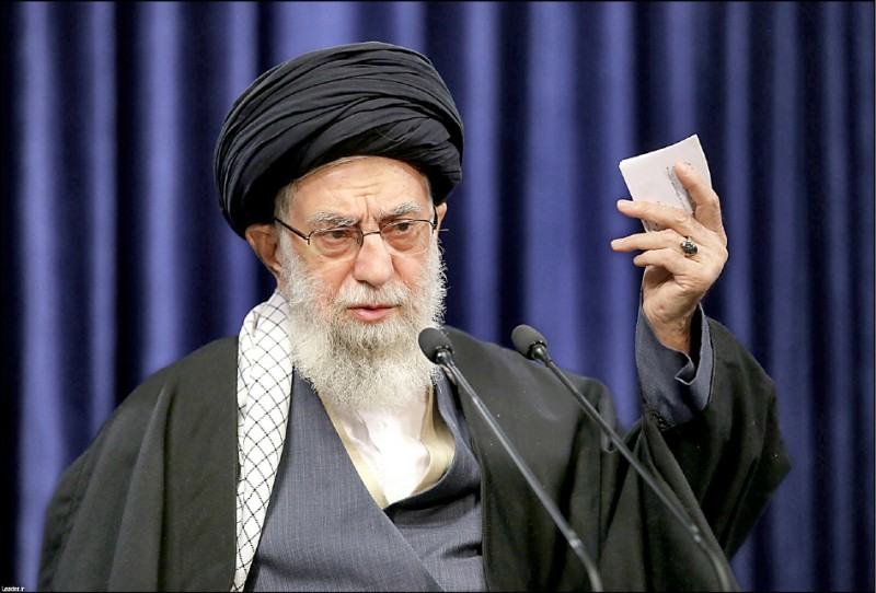 伊朗最高領袖哈米尼在德黑蘭發表電視演說。(歐新社檔案照)