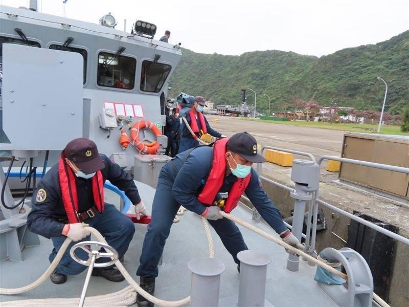 海軍新戰力入列 快速布雷艇接受成軍訓練驗收