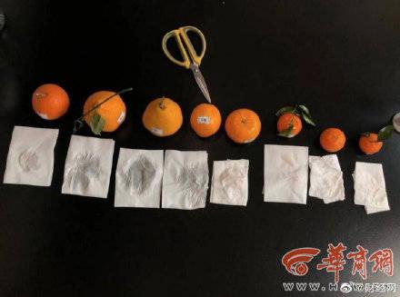 中國食安問題頻傳,陝西省西安市的多個市場近日被踢爆出現「染色橘子」,只需要用衛生紙輕輕一擦,很快被染成紅色,仔細聞還能聞到一股化工製劑的刺鼻味道。(圖取自微博)
