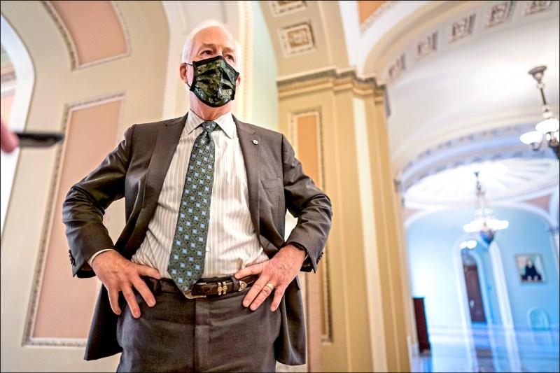 共和黨資深參議員柯寧呼籲,參院多數黨領袖舒默應審慎考慮川普彈劾案,做出對美國最有利的選擇。(美聯社)