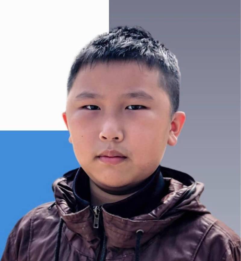 香港社區服務組織「天水圍社區關注組」11歲主席王繼祖(見圖),日前在公園內勸導跳廣場舞老人群降低音樂播放的音量時,遭其中一位老人痛毆腹部。(圖擷取自臉書_天水圍社區關注組)