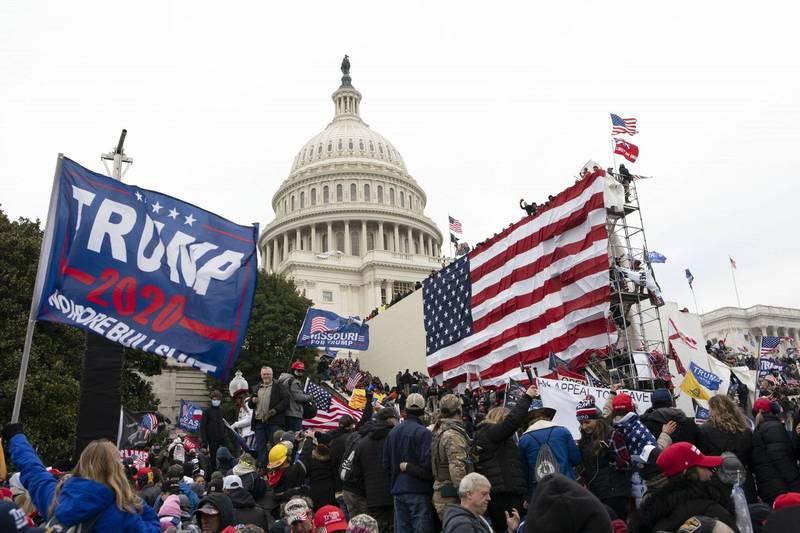 自本月6日美國發生國會山莊事件(如圖)後,美國國會和五角大廈開使著手剷除軍隊裡的「白人國族主義者」和極端右翼人士。(美聯社)