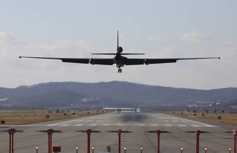 美軍1架U-2S偵察機今從嘉手納基地起飛,在台灣東部近海折返跑。圖為美軍U-2S偵察機。(美聯社檔案照)