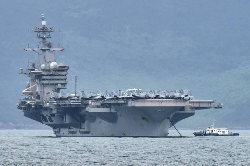 共機近日頻繁擾台後,美國羅斯福號航空母艦打擊群進入南海,中國竟指控美方的行為不利地區和平。圖為羅斯福號航艦。(路透)