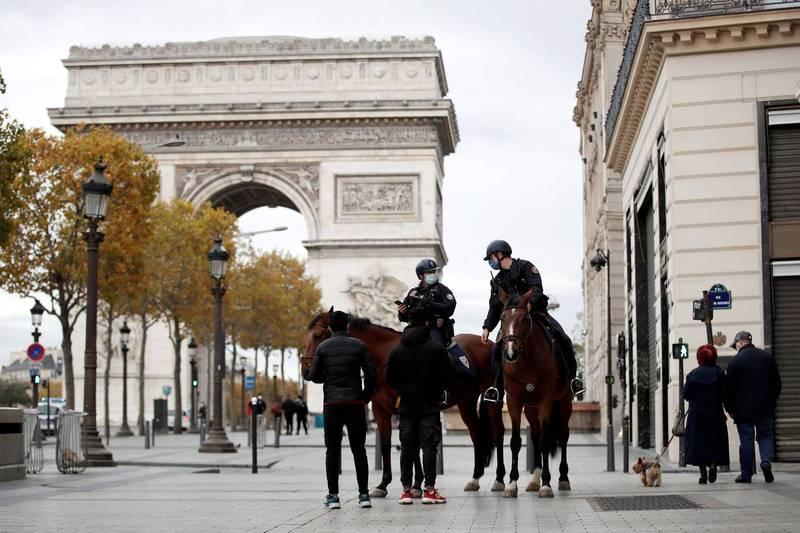 由於變種病毒威脅性高,傳出法國總統馬克宏擬下週宣布法國第3度封城。(路透)