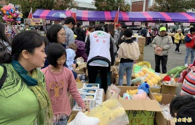 疫情升溫,台東家扶中心決定停辦年度愛市集助學活動。(記者陳賢義攝)