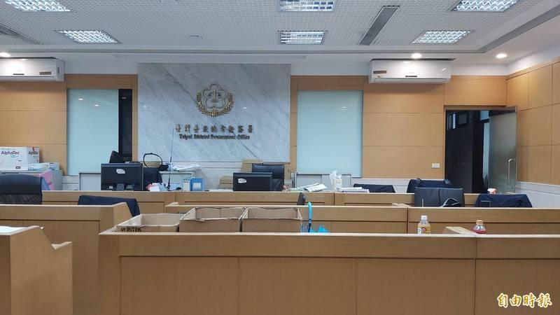 台北地檢署今天凌晨訊後向法院聲押主嫌李思慧等4人。(記者陳慰慈攝)