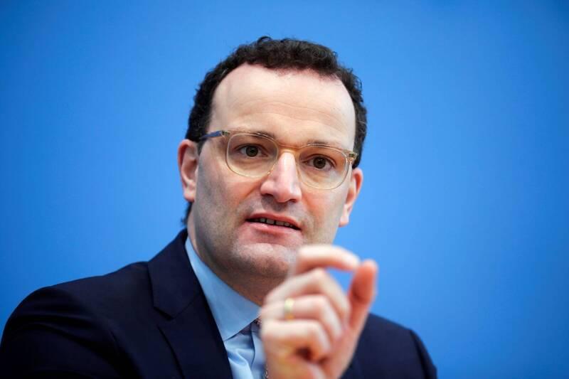 德國衛生部長史巴恩(見圖)今天表示,正在為2022年訂購疫苗備用,以防需要正常或加強劑量來保持民眾對新冠病毒變種病毒的免疫力。歐洲民眾對接種疫苗速度緩慢已感到越來越沮喪。(法新社)