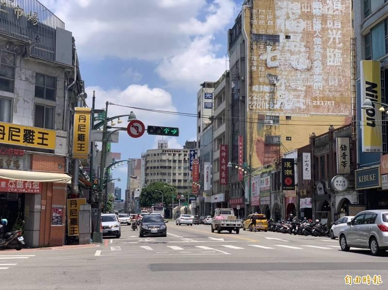 台中捷運藍線確定要走台灣大道直通火車站,市府說可以帶動沿線商機。(記者唐在馨攝)