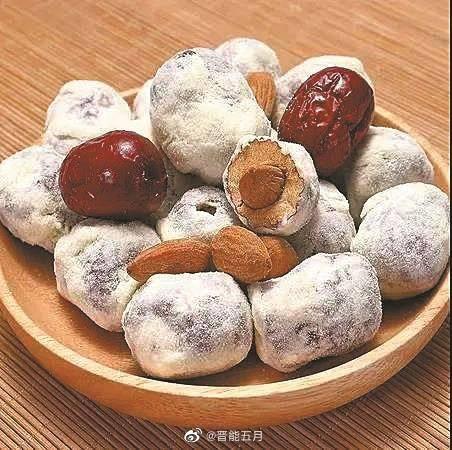 中國在「網紅食物」奶棗檢測出武漢肺炎陽性反應,中國政府表示涉疫奶棗傳染人的可能性極低。示意圖。(圖擷取自微博晉能五月)