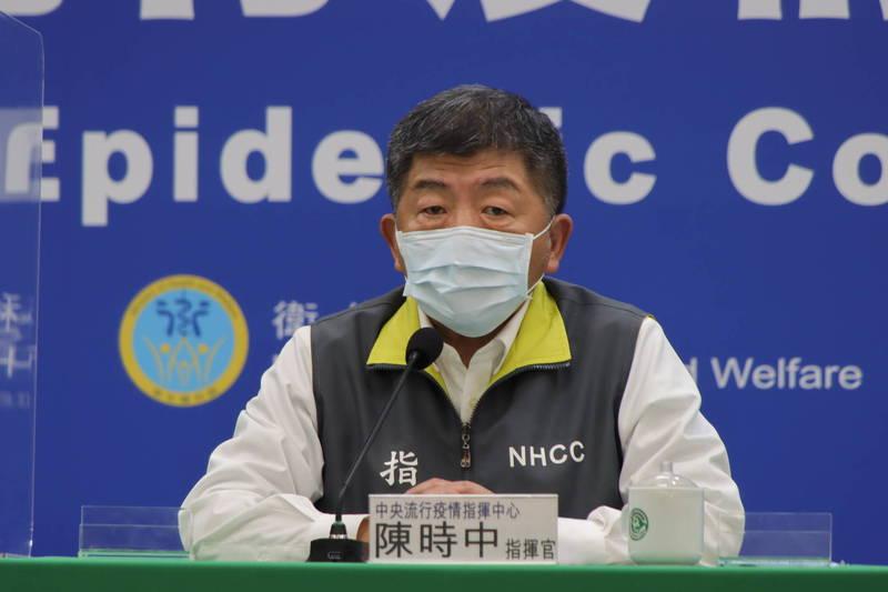 中央流行疫情指揮中心表示,案908第一次檢驗Ct值20、第二次更降到14.9,顯示確實是感染初期,被案889傳染的推論在合理範圍內,後續會再做病毒定序釐清。(指揮中心提供)