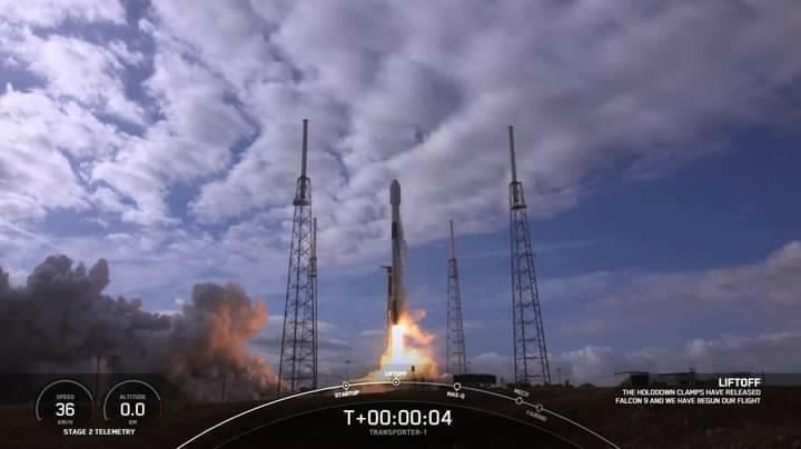 飛鼠、玉山立方衛星上月24日搭乘獵鷹九號火箭順利升空,目前飛鼠的訊號已順利解譯,但玉山的訊號仍待努力。(國研院國家太空中心提供)