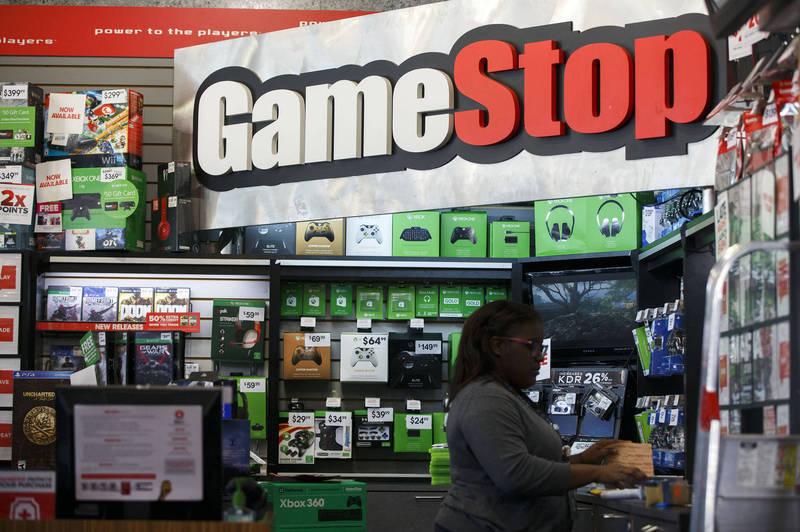 電玩零售商GameStop股票遭華爾街投資人鎖定成為作空目標,引發美國Reddit鄉民發起軋空大戰。(彭博)