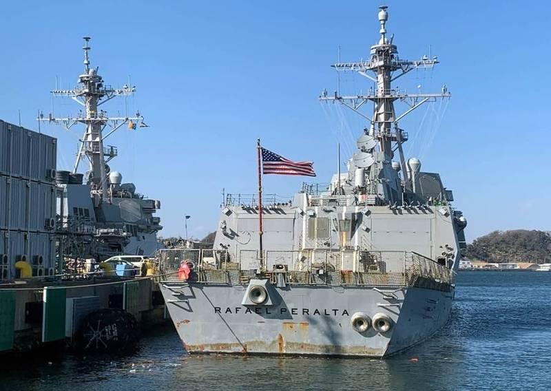 伯克級神盾飛彈驅逐艦「裴拉塔號」4日抵達橫須賀的母港。(取自美國海軍官網)