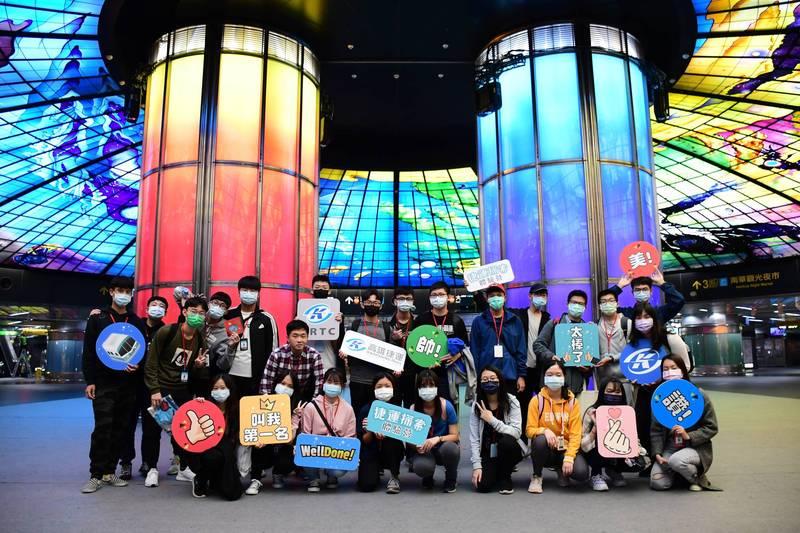 高捷首度首度為高中生舉辦「捷運探索體驗營」。(記者王榮祥翻攝)