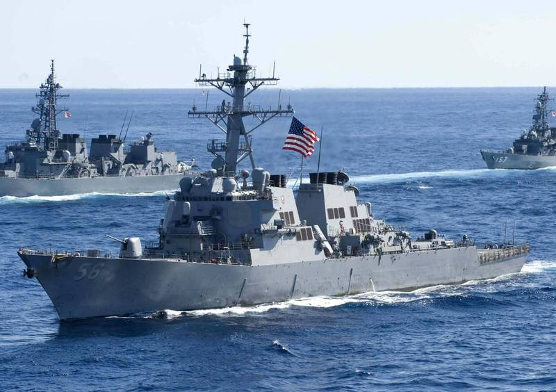 美軍伯克級神盾驅逐艦「馬侃號」今航行西沙群島周圍海域,稱挑戰台灣、中國與越南的航行限制。(歐新社檔案照)