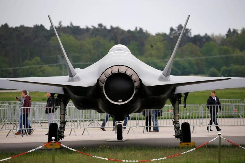 美國國防部發言人柯比今天在記者會上指出,拜登政府將會維持前總統川普政策,將土耳其排除在F-35聯合打擊戰鬥機計畫外,圖為F-35戰機。(路透)