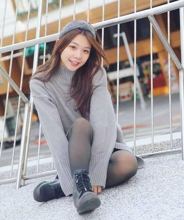 這名正妹老師叫做陳芊聿,長相甜美的她同時也是一名外拍模特兒,時常在IG與臉書粉專分享美照。(陳芊聿授權提供)